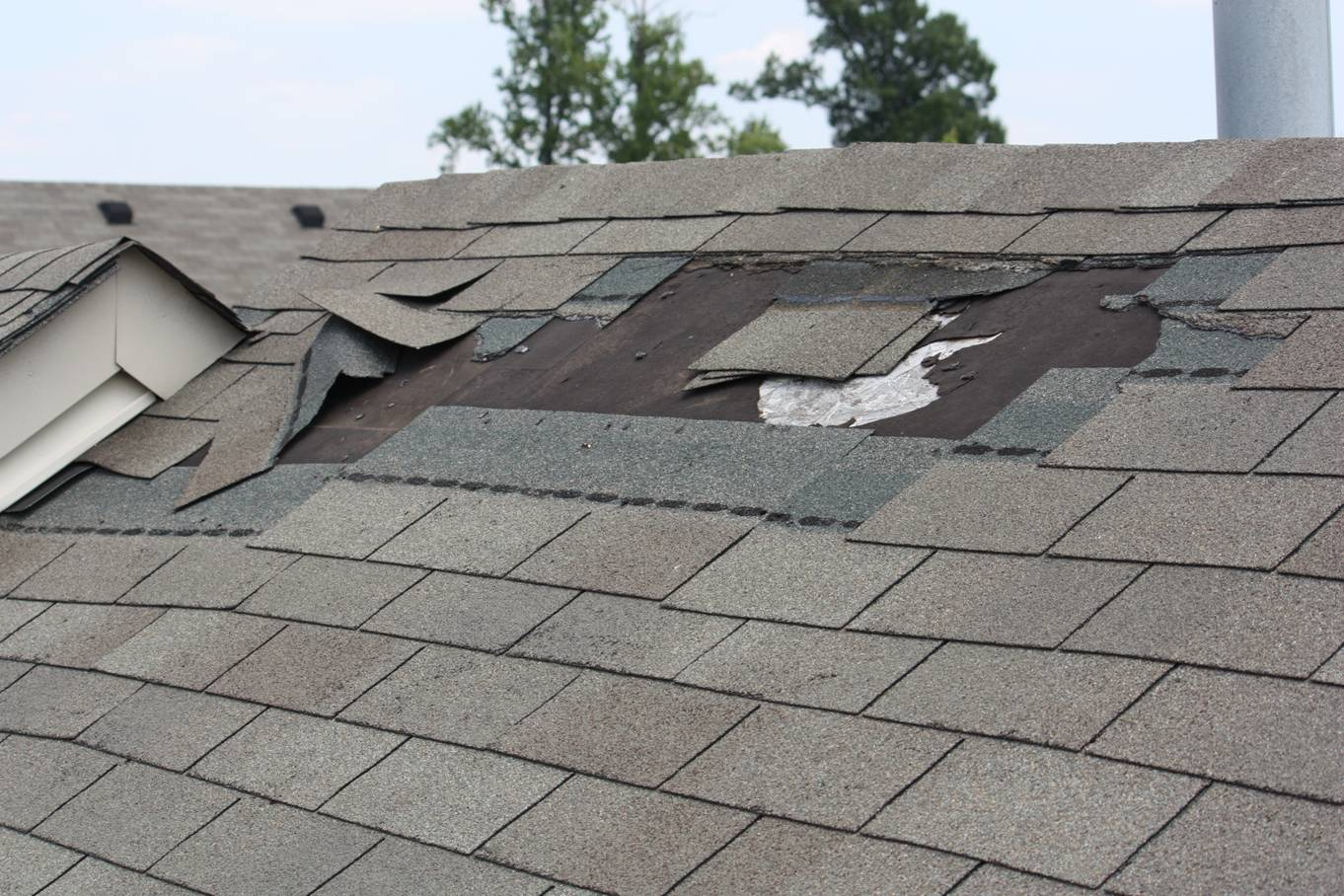 Captivating Knowing All Of These Risks, We Offer Sacramento Handymanu0027s Clientele  Quality And Economical Roof Repairs.
